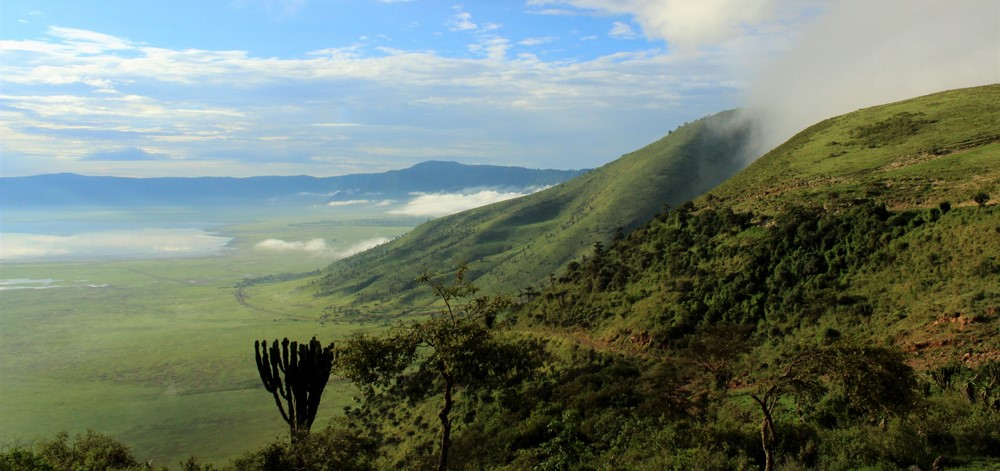 4-Day-Safari-Descend-Road-into-the-Ngorongoro-Crater